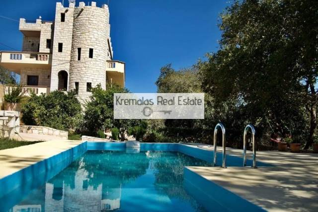 (For Rent) Residential Villa || Chania/Platanias - 350 Sq.m, 3 Bedrooms, 300€