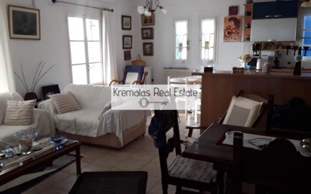 (For Sale) Residential Detached house || Cyclades/Paros - 220 Sq.m, 5 Bedrooms, 600.000€